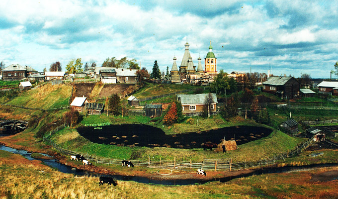 Троицкая церковь в селе Ненокса — единственный, сохранившийся в России деревянный пятишатровый храм